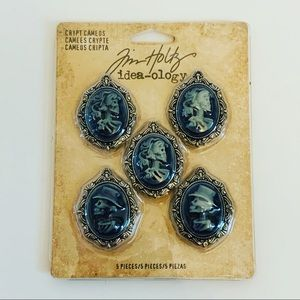 NWT HALLOWEEN IDEOLOGY SKULL CAMEO NECKLACE